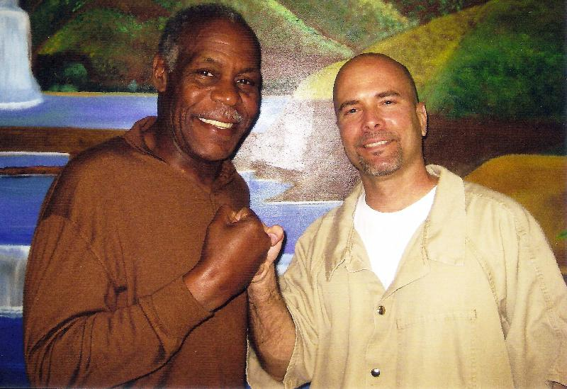 Danny Glover supports the Cuban 5